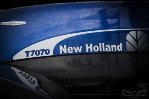 New Holland T7070.jpg